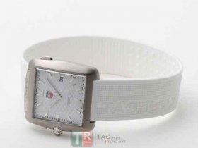 TAG Heuer GOLF WATCH PROFESSIONAL SPORTS WAE1112.FT6008